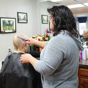 Roc's Unisex Salon - Elaine Woman's Cut