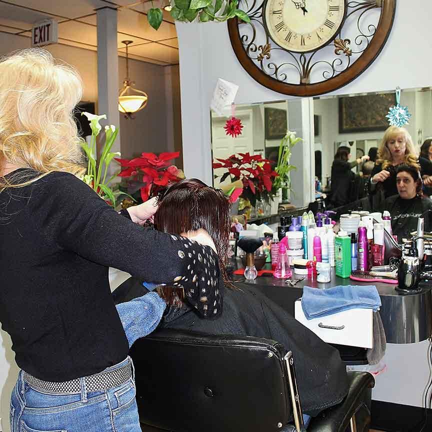 Roc's Unisex Salon - Heather Woman's Cut and Color